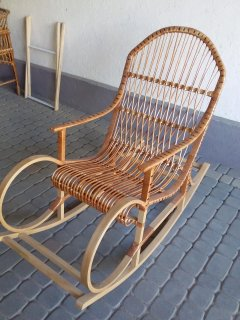 Крісло - гойдалка Ш. Холмс Лоза Карпат з натуральної лози