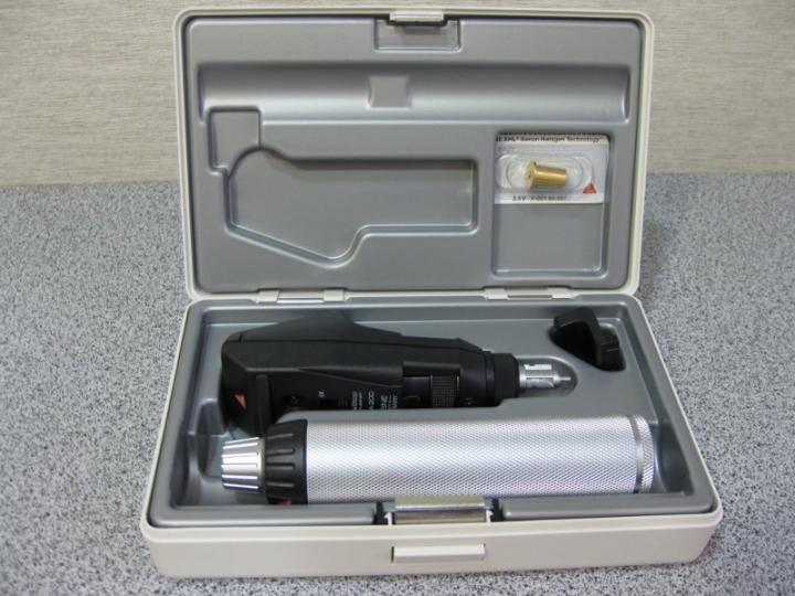 Ретиноскоп Heine Вета 200 рукоятка з акумуляторів Beta 4 USB зарядний пристрій Е4-US - зображення 1