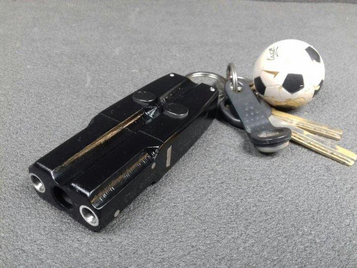 Револьвер під патрон Флобера - брелок Mig X (двухзарядный, чорний) - зображення 1