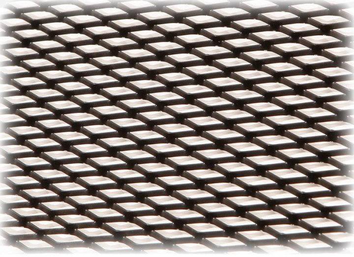 Решетка в бампер защитная декоративная Poputchik черная 1x020 №3 средняя (151-102-3-К)