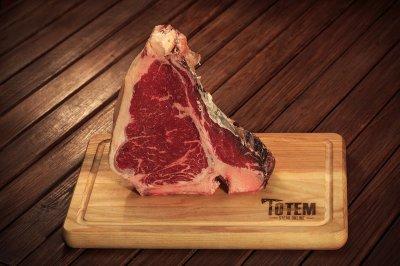Cтейк ТОТЕМ СТЕЙК Тібоун (Steak T-Bone) сухої витримки 21+ днів M (500-600г)