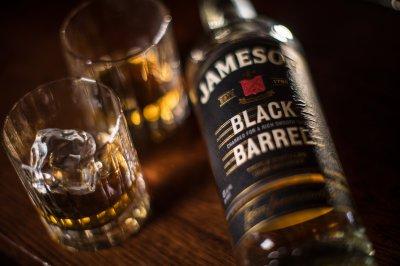 Виски Jameson Black Barrel 0.7 л 40% в коробке (5011007024000)