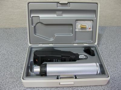 Ретиноскоп Heine Вета 200 рукоятка с акумулятором Beta 4 USB зарядное устройство Е4-US