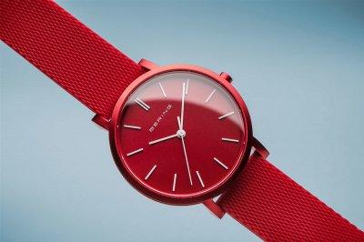 Женские часы BERING 16934-599