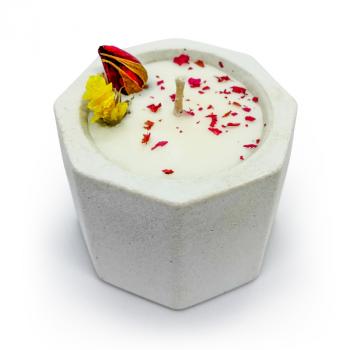 Соевая арома-свечка в бетонном кашпо OSOKA Rose Petals 5,5х4,5 см (0018)