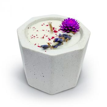 Соевая арома-свечка в бетонном кашпо OSOKA Wildflowers 5,5х4,5 см (0017)