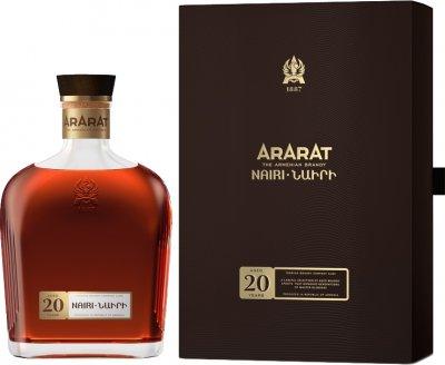Бренді ARARAT Наірі 20 років витримки 0.5 л 40% в подарунковій упаковці (4850001002123)