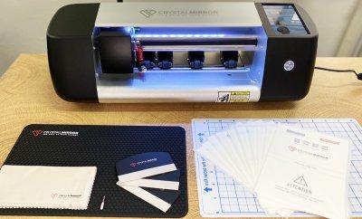 Плоттер для нарізки гідрогелевих плівок Crystal Mirror CM 93 Pro з автоматичною подачою плівки