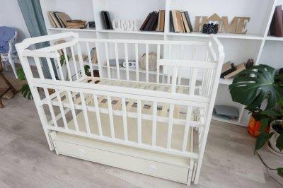Детская кровать-трансформер с ящиком от 0 до 5 лет Карина Кузя белая 107.2