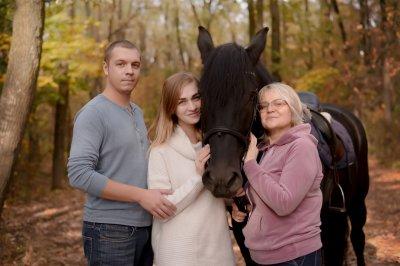 Подарунковий сертифікат на сімейну фотосесію з кіньми