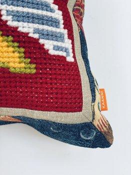 Подушка Kaanni Риба з смугастим хвостом гобелен 50х45 Червоний