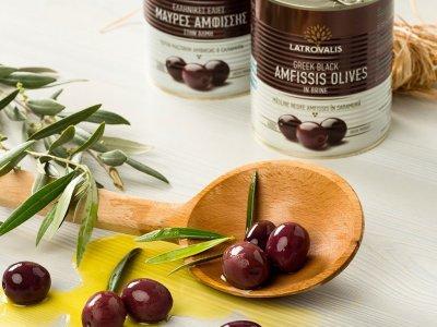 Оливки Latrovalis Amfissa Black Olives Jumbo 181-200 з кісткою, 850 мл 400 г