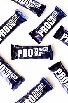 """Батончик протеиновый """"PROtein"""" Truff Royal глазированный с чёрной смородиной. Упаковка 9 шт"""