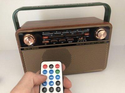 Аккумуляторный радиоприемник аудиосистема с пультом управления и Bluetooth радио Kemai MD-505BT Retro