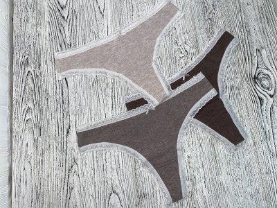 Набор женских хлопковых трусиков стринги из 3-х штук бежевых оттенков