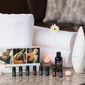 Набір сумішей і чистих ефірних олій для ароматерапевтичного масажу Aromatouch technique kit 8 шт по 5 мл і 115 мл кокосове масло