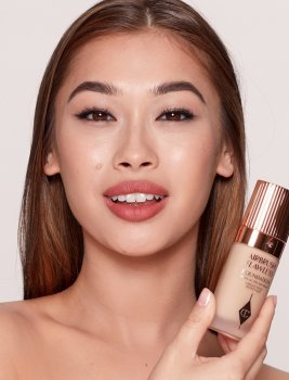 Тональная основа Charlotte Tilbury Airbrush Flawless Foundation 5.5 Neutral 30ml (5060542725422)