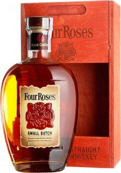 Бурбон Four Roses Small Batch 0.7 л 45% в деревянной упаковке (2135686356863)