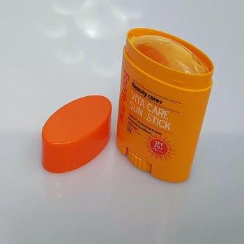 Витаминный солнцезащитный стик Farm Stay Vita Care Sun Stick SPF50+ PA+++ 20 г