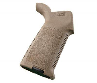 Рукоятка пистолетная Magpul MOE Grip для AR15/M4 песочная
