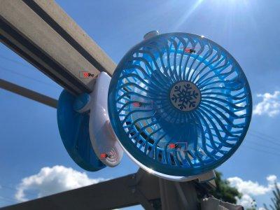 Акумуляторний портативний USB міні вентилятор на прищіпці з поворотним механізмом Mini Fan (ML-F168) Blue