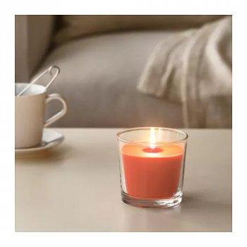 Ароматическая свеча в стакане IKEA SINNLIG 9 см персик и апельсин Оранжевый (303.374.11)