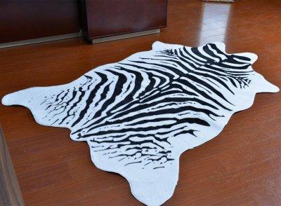 Шкура зебри штучна Homytex біло-чорна 2