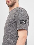 Футболка Calvin Klein Jeans Monogram Badge Grindle Tee J30J316597-BEH S CK Black (8719853128749) - зображення 5