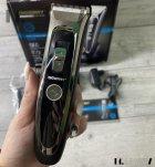 Машинка для стрижки волос и бороды профессиональная аккумуляторная с 7 насадками Geemy GM-800 - изображение 9